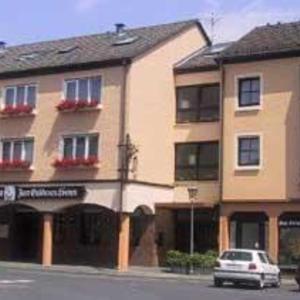 Hotel Pictures: Hotel-Restaurant Zum Goldenen Löwen, Kelkheim