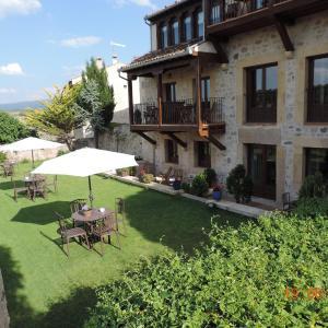 Hotel Pictures: Hospederia de Santo Domingo, Pedraza-Segovia