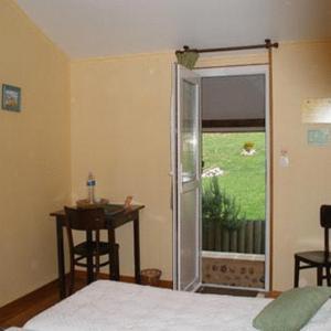 Hotel Pictures: Auberge Les Tonnelles, Saint-Léonard
