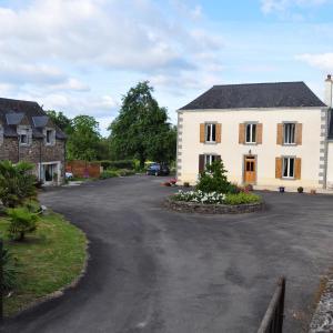 Hotel Pictures: La Grande Malardiere, Saint-Georges-Buttavent