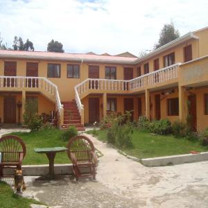 Hotel Pictures: Hotel Imperio del Sol, Comunidad Yumani