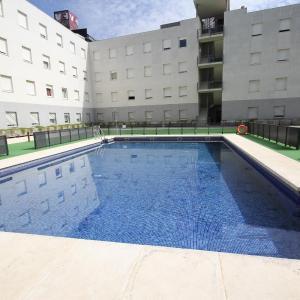 Hotel Pictures: Apartamentos Vértice Sevilla Aljarafe, Bormujos