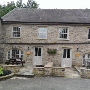 Hotel Pictures: The Saddle Room, Middleham