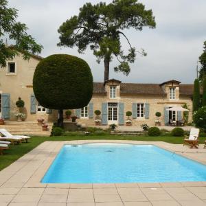 Hotel Pictures: Château Larroze, Cahuzac-sur-Vère
