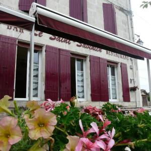 Hotel Pictures: Le Saint Savinien, Saint-Savinien
