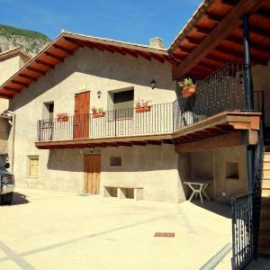 Hotel Pictures: Casa Castell Cal Sintet, Gósol