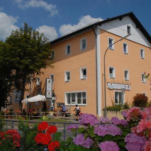 Hotel Pictures: Gasthof zur Post, Vohenstrauß
