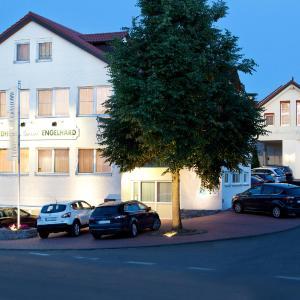 Hotel Pictures: Engelhard - Das Landhotel Garni, Kirchheim am Ries