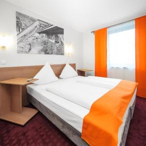 Hotel Pictures: McDreams Hotel Wuppertal City, Wuppertal