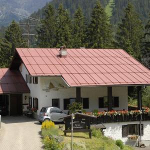 Hotellikuvia: Bergführer-Hüsle, Mittelberg