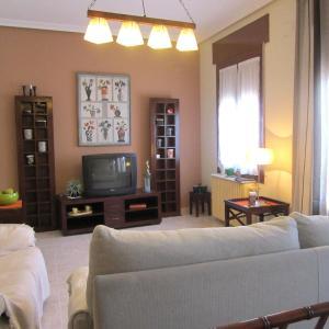 Hotel Pictures: Apartamentos Plaza Cervantes, Almagro