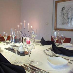 Hotel Pictures: Rezas Bistro Restaurant Gästehaus, Oberbillig