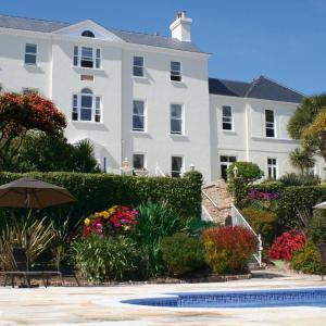 Hotel Pictures: La Haule Manor, Saint Aubin
