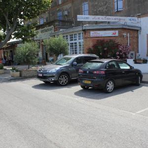 Hotel Pictures: Hotel Restaurant La Camargue, Salin-de-Giraud