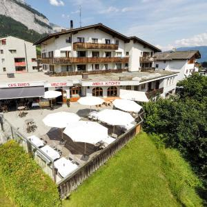 Hotel Pictures: Arena Lodge, Flims