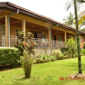 Hotel Pictures: Zwinkels Guest House Bamenda, Bamenda