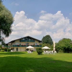 Hotelbilleder: Hotel garni - Chiemsee-Pension-Seebruck, Seebruck