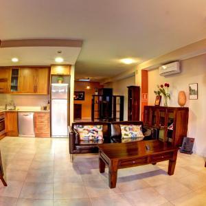 Hotel Pictures: Apartaments Ca La Pauleta, Espluga de Francolí