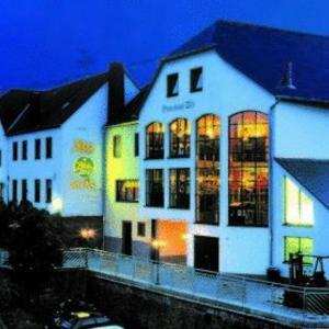 Hotel Pictures: Brauhaus Zils Bräu Hotel Restaurant, Naurath