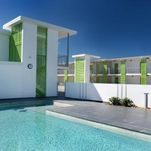 Hotel Pictures: Potter's Oceanside Motel, Mackay
