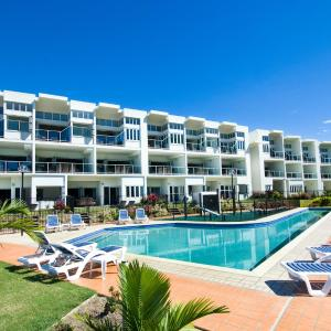 Hotel Pictures: Beachside Magnetic Harbour Apartments, Nelly Bay