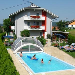 酒店图片: Ferienwohnungen Jernej Katharina, Sankt Primus am Turnersee