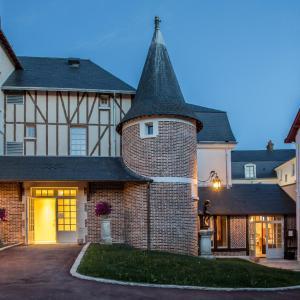 Hotel Pictures: Relais des Trois Châteaux, Cour-Cheverny
