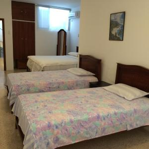 Hotel Pictures: La Victoria Guest House, Manta