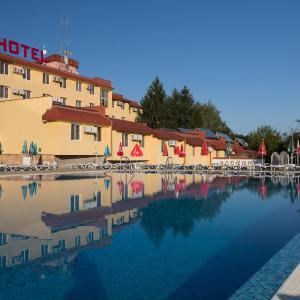 Фотографии отеля: Zornica Hotel, Казанлык
