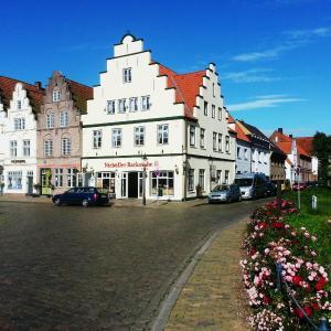 Hotel Pictures: Pension Marktblick, Friedrichstadt