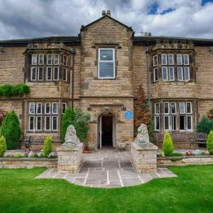 Hotel Pictures: Best Western Plus Rogerthorpe Manor Hotel, Pontefract