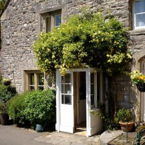 Hotel Pictures: Burcott Mill Guesthouse, Wells