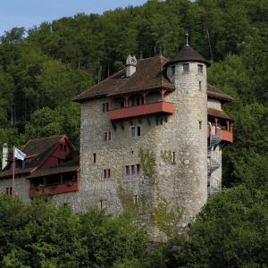 Hotel Pictures: Mariastein-Rotberg Youth Hostel, Mariastein