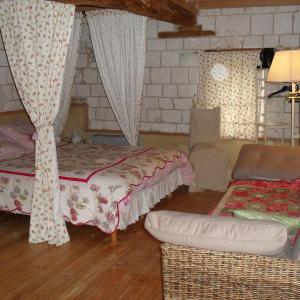 Hotel Pictures: Ferme de Sainte Austreberthe, Marant