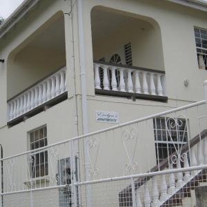 Foto Hotel: Evelyn's Apartment, Christ Church