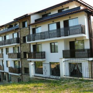 Hotel Pictures: Family Hotel Bela, Tryavna