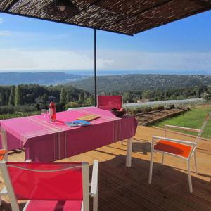 Hotel Pictures: Holiday Home Le Balcon d'Azur 06, Saint-Jeannet