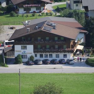 Fotos del hotel: Pension Enzian, Niederau