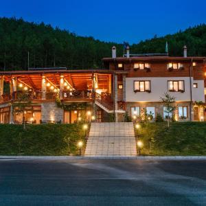 Foto Hotel: Trayanovi Dvori, Simitli