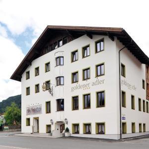 Fotos do Hotel: Hotel Goldener Adler Wattens, Wattens