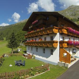 Hotel Pictures: Haus Bergheimat, Prägraten