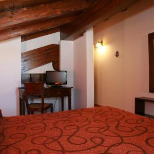 Hotel Pictures: Agroturismo La Casa Vieja, Maturana