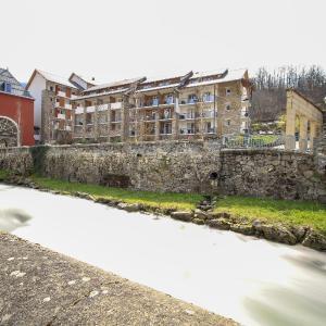 Hotel Pictures: Résidence Pierre & Vacances Les Trois Domaines, Ax-les-Thermes