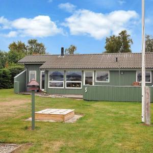 Hotel Pictures: Holiday home Birke F- 394, Storvorde
