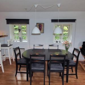 Hotel Pictures: Holiday home Bjergvej A- 461, Ulfborg