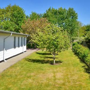 Hotel Pictures: Holiday home Landevej E- 1377, Remmer Strand