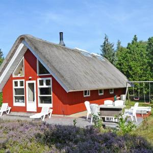 Hotel Pictures: Holiday home Skinnevej A- 1381, Bolilmark
