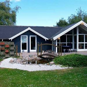 Hotel Pictures: Holiday home Johs G- 2067, Otterup