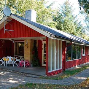 Hotel Pictures: Holiday home Korsikanerskoven H- 2428, Odde