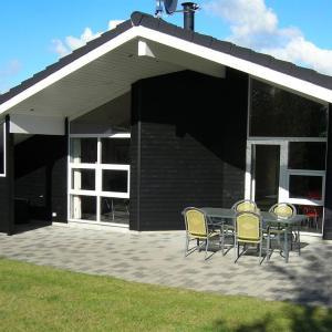 Hotel Pictures: Holiday home Mosevej B- 3054, Bøstrup